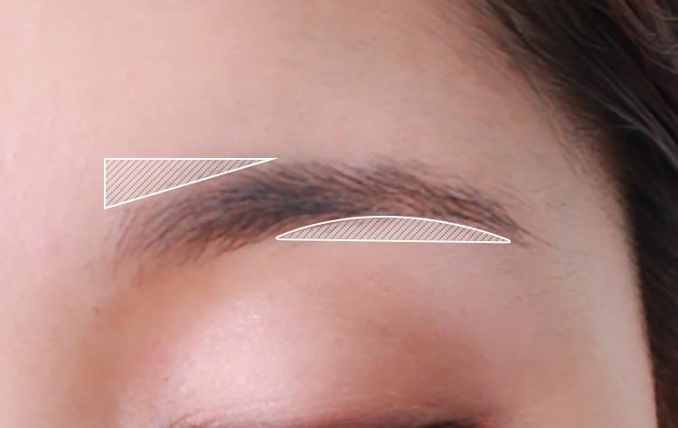 ちぃぽぽ風アイメイクのプロセス アイブロウで眉毛を描く