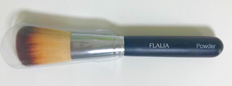 FLALIAのフェイスパウダーブラシ