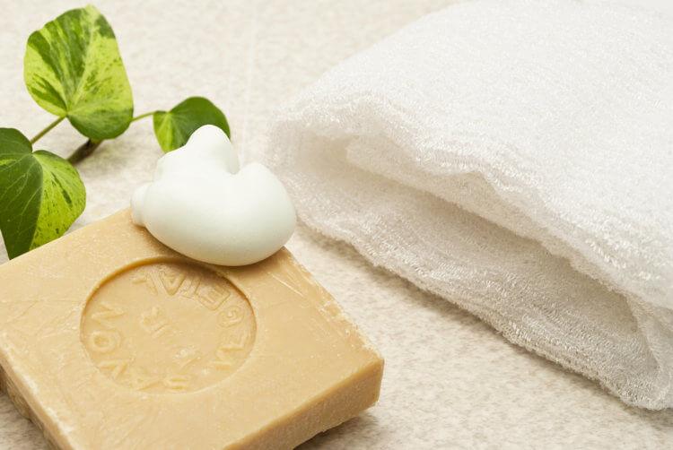 洗顔石鹸とフェイスタオル