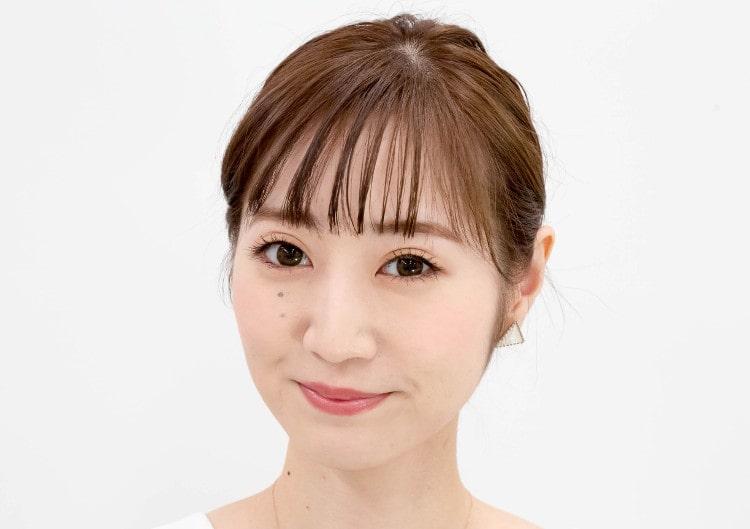 理奈 コーラルピンクチークメイク完成顔 顔アップ