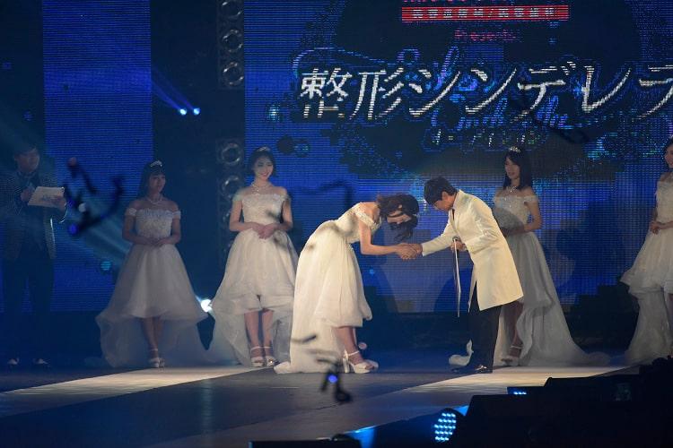 第2回グランプリ 馬場汐音さんの受賞写真 ステージ