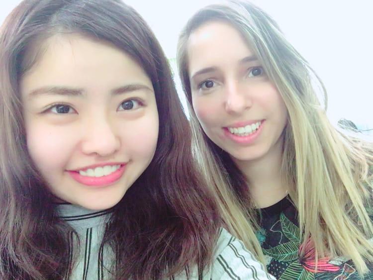 笹野千枝里さんのアメリカでのスナップ写真 友人と