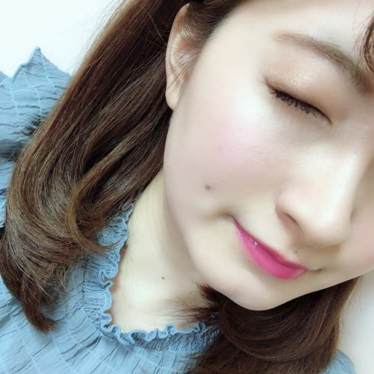 misaki OKメイク アイシャドウ 目を閉じる