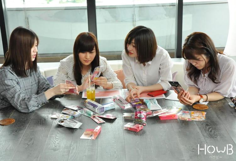 アイプチを選ぶれいぽむ、彩佳ちゃん、京香ちゃん、Airiちゃん