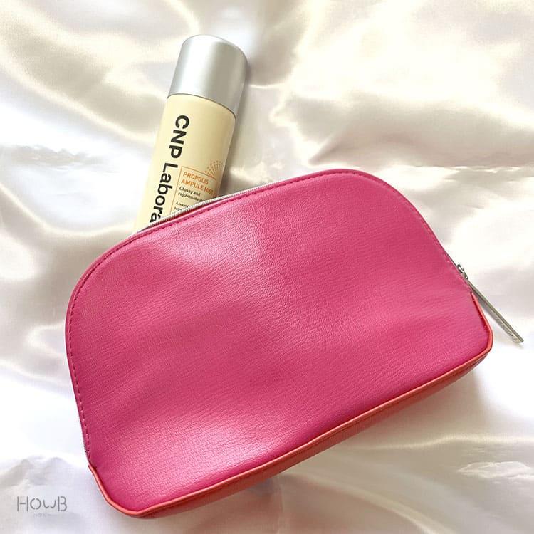 チャアンドパクの美容液とバッグ