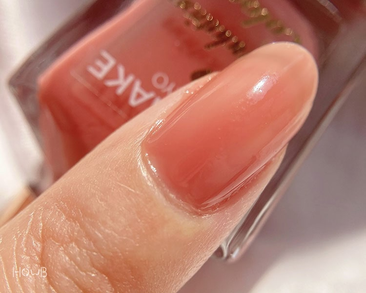 ナチュラルピンクを塗った爪